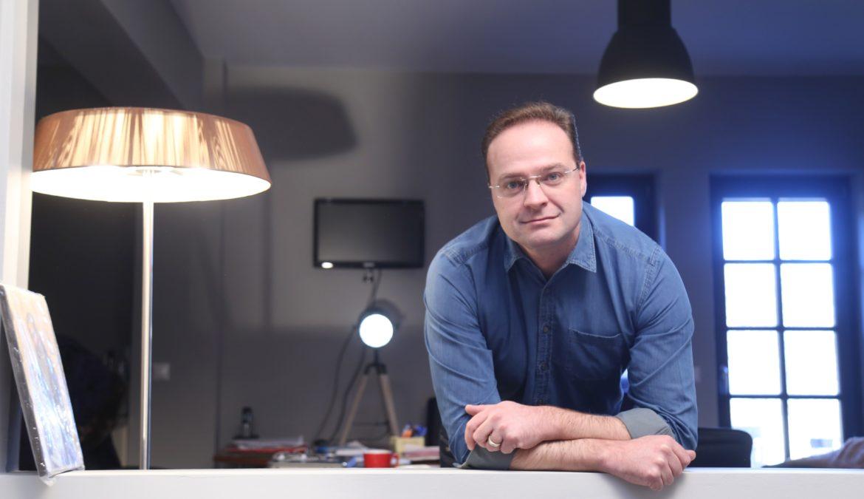 Thinkfree.gr –  Στέλιος Βαλιάνος: Ο «ειρηνοποιός» της Χαλκιδικής!